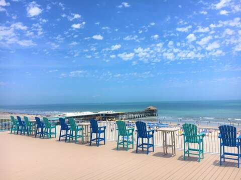 Chateau's 1 of a kind 360 degree rooftop patio overlooking the Cocoa Beach Pier. The best spot to watch launches!