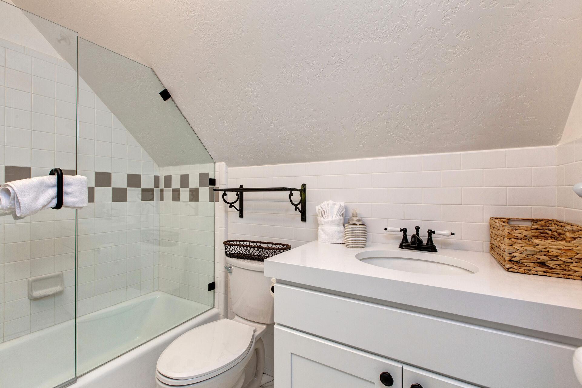 Full Shared Bath