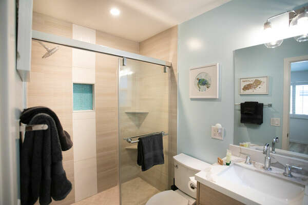 First Floor Master En-Suite Bath with Shower