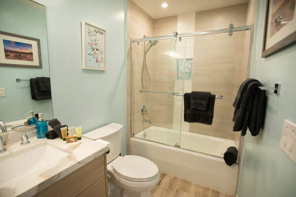 Second Floor Full Guest Bath with Tub/Shower Combo