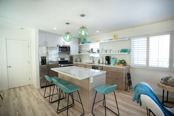 Kitchen with Breakfast Bar Seating for four