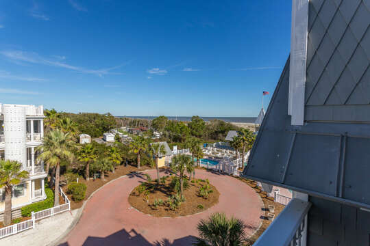 An Image of Community Surrounding Oceanfront Rental on St Simons Island.