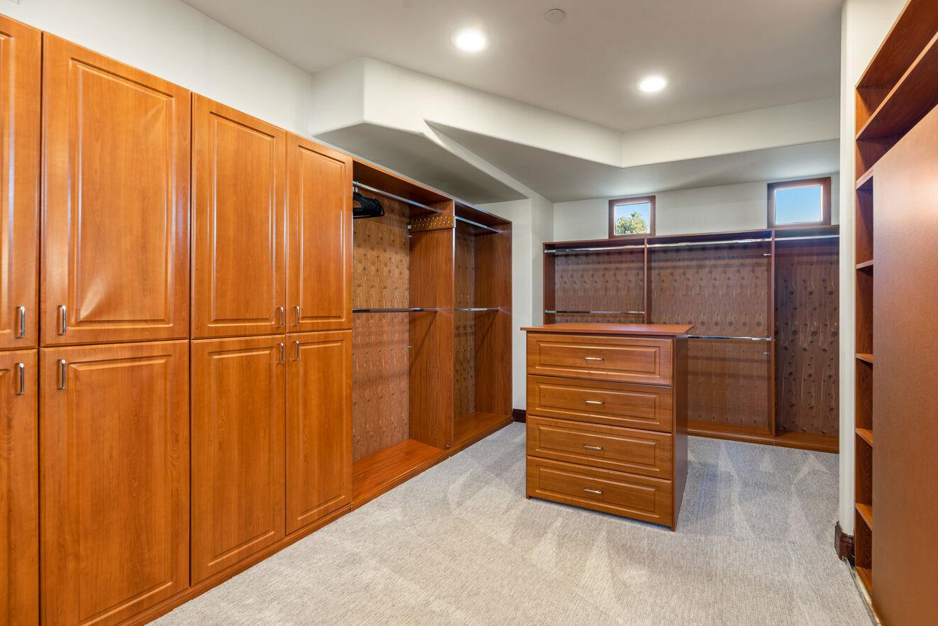 Bedroom 4 - Upstairs master closet