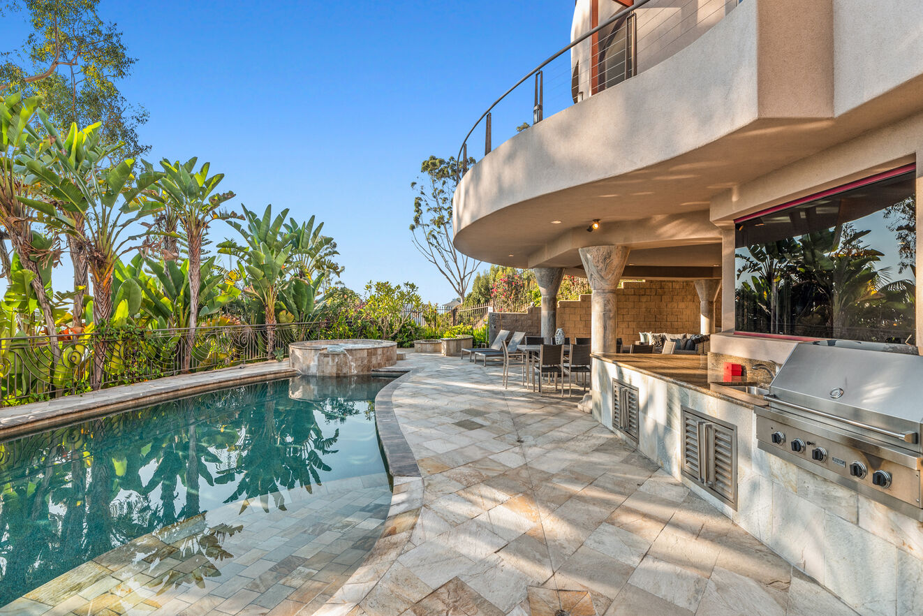California's best indoor - outdoor living with full kitchen poolside with Viking professional built in BBQ and more.