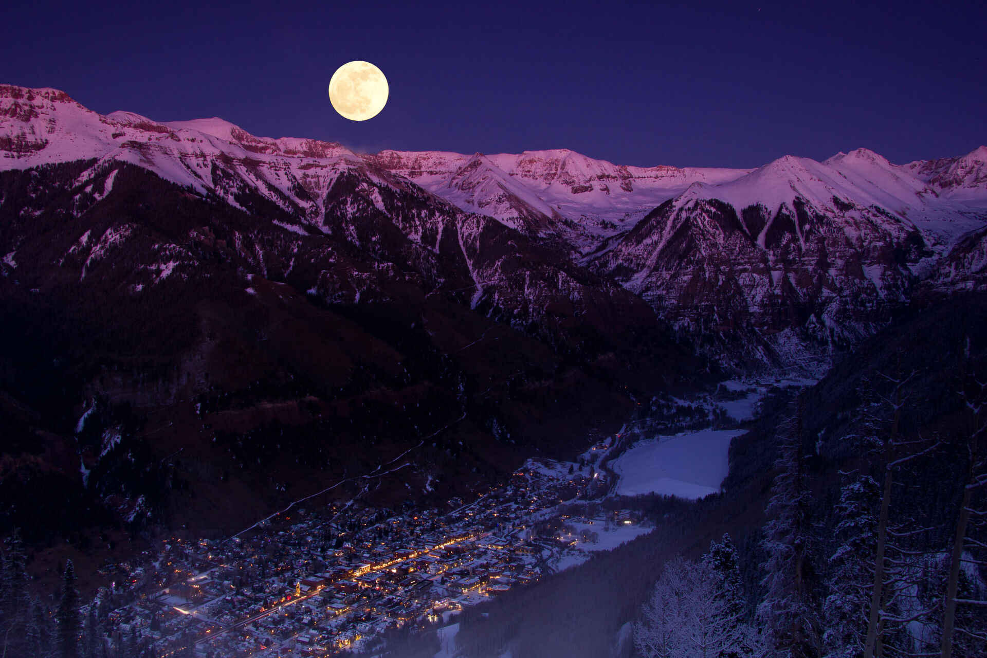 Nighttime overview of Telluride