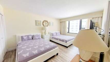 2nd bedroom with 2 queen-size beds