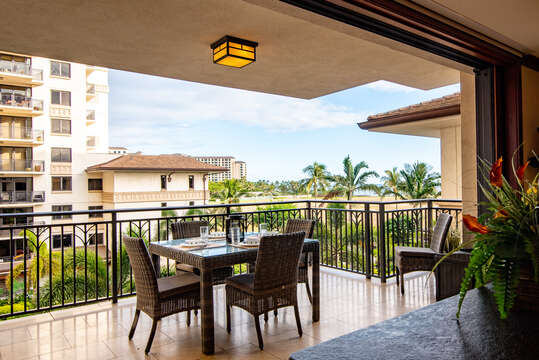 Your Choice... Dine on the lanai, or inside at the dining area of this oahu condo rental
