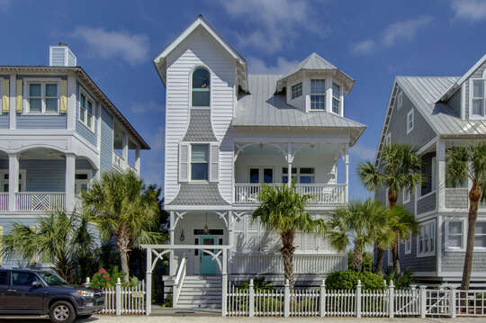 Front Picture of our Beach House for Rent St. Simons Island, GA.