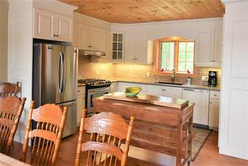 Modern, Fully Equipped Kitchen, Tea Lake