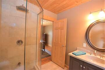 Ensuite Bathroom, Tea Lake