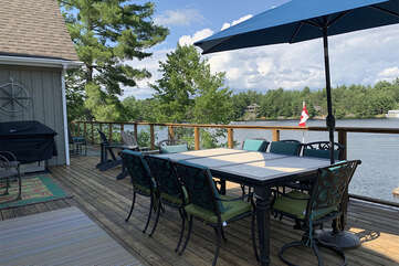 Outdoor Dining Area, Tea Lake