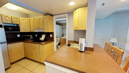 Kitchenette with bar area