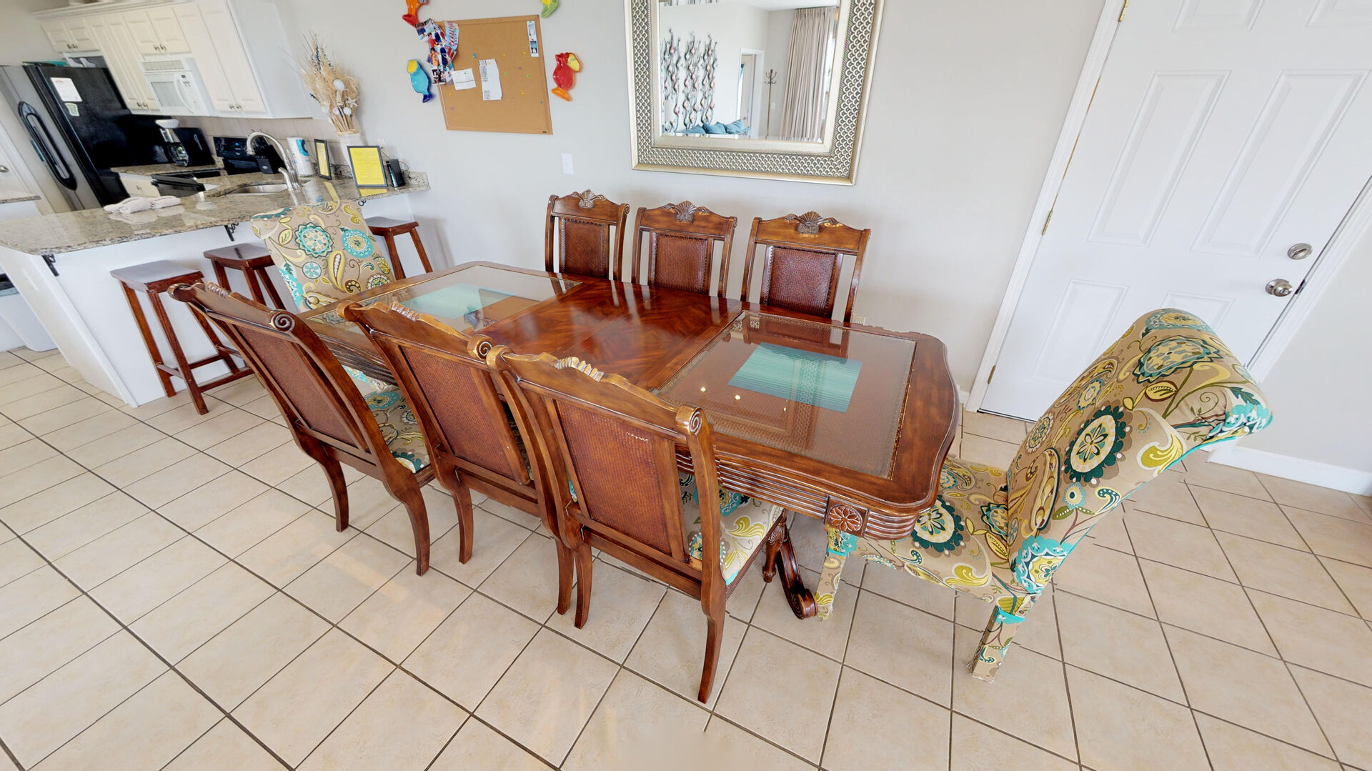 Dining Table Can Seat 8 Guests.