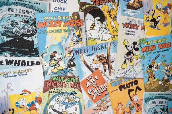 Fun cartoon poster wall