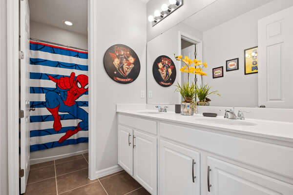 Ensuite bathroom to a super cool kids bedroom
