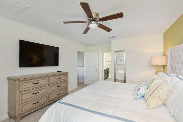 A ceiling fan, SMART TV,and ensuite bathroom for your enjoyment