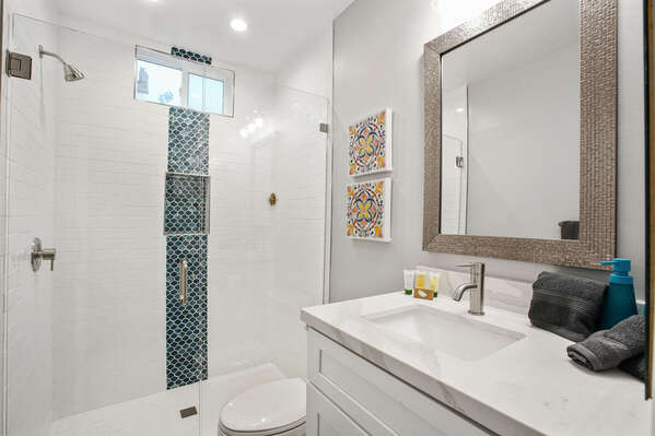 Full Bathroom - First Floor