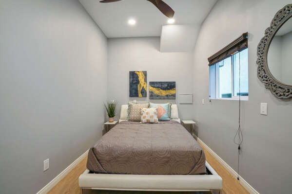 Master Bedroom with Queen bed on the First Floor