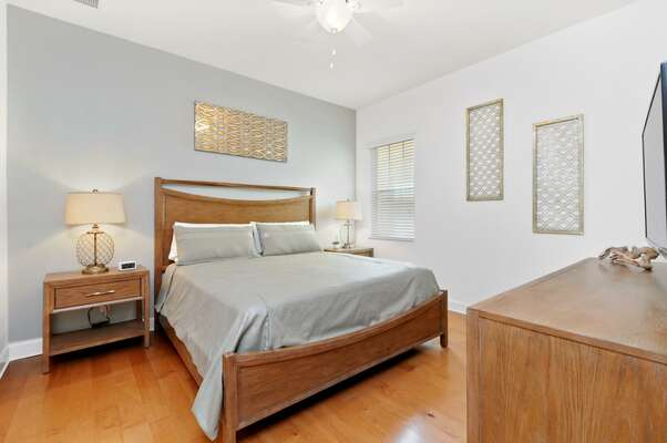 Choose to sleep in this bedroom