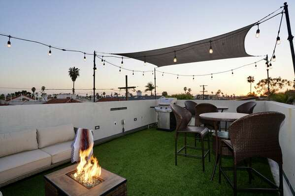 Roof Deck with Outdoor Sofa, Fire Pit, Outdoor Dining and BBQ Grill