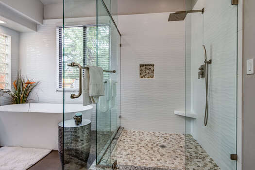 Large Tile/Glass Shower with Dual Shower Heads