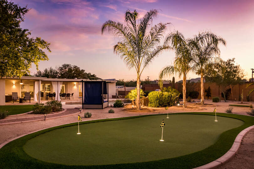 Outdoor Putting Green on the Backyard of our Resort Rental Scottsdale.