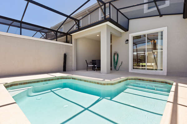 A screened in private pool provides the utmost privacy and keeps away any unwanted wildlife