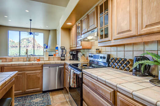 Full Equipped Kitchen with Plenty of Counter Space - Great for Meal Prep and Entertaining