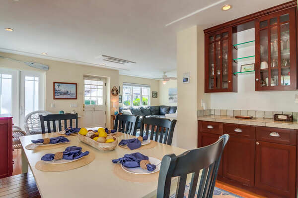 Options for Indoor and Outdoor Dining
