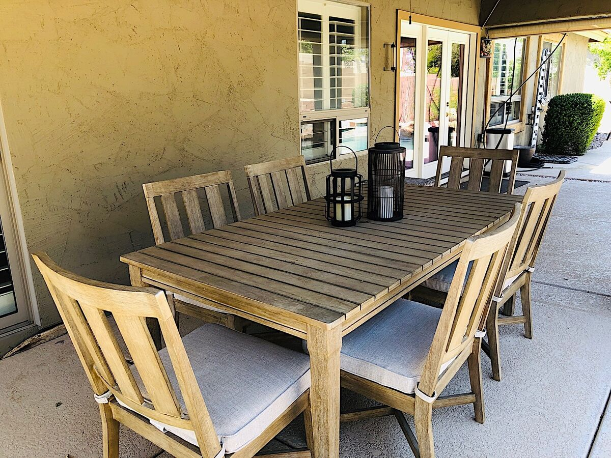 Enjoy your favorite BBQ meal outside at the dining table