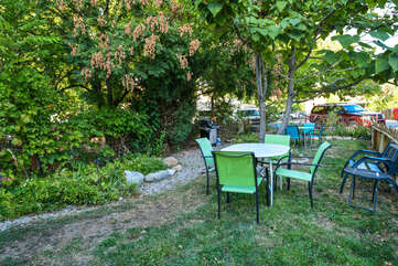Shared Dining Area and Garden at Moab Places to Stay