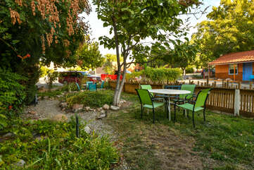 Shared outdoor seating