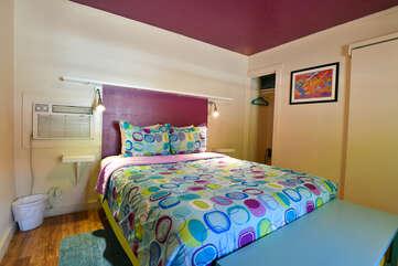 Sleeping arrangement with a queen bed