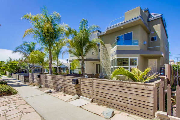 Exterior Front of Vacation Rental in San Diego CA.
