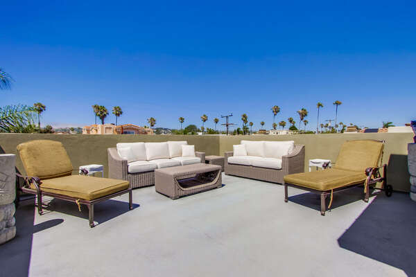 Guests Can Enjoy Outdoor Living Area.