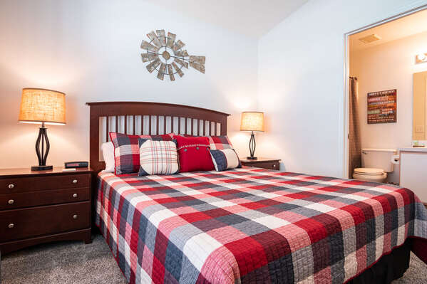 Bedroom 4 is a 2nd master suite with a queen bed