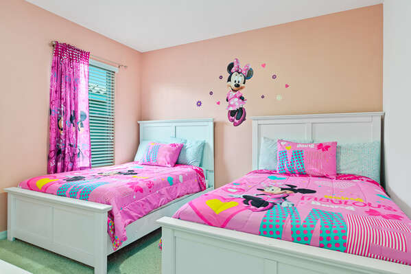 Little ones will feel right at home in this bedroom