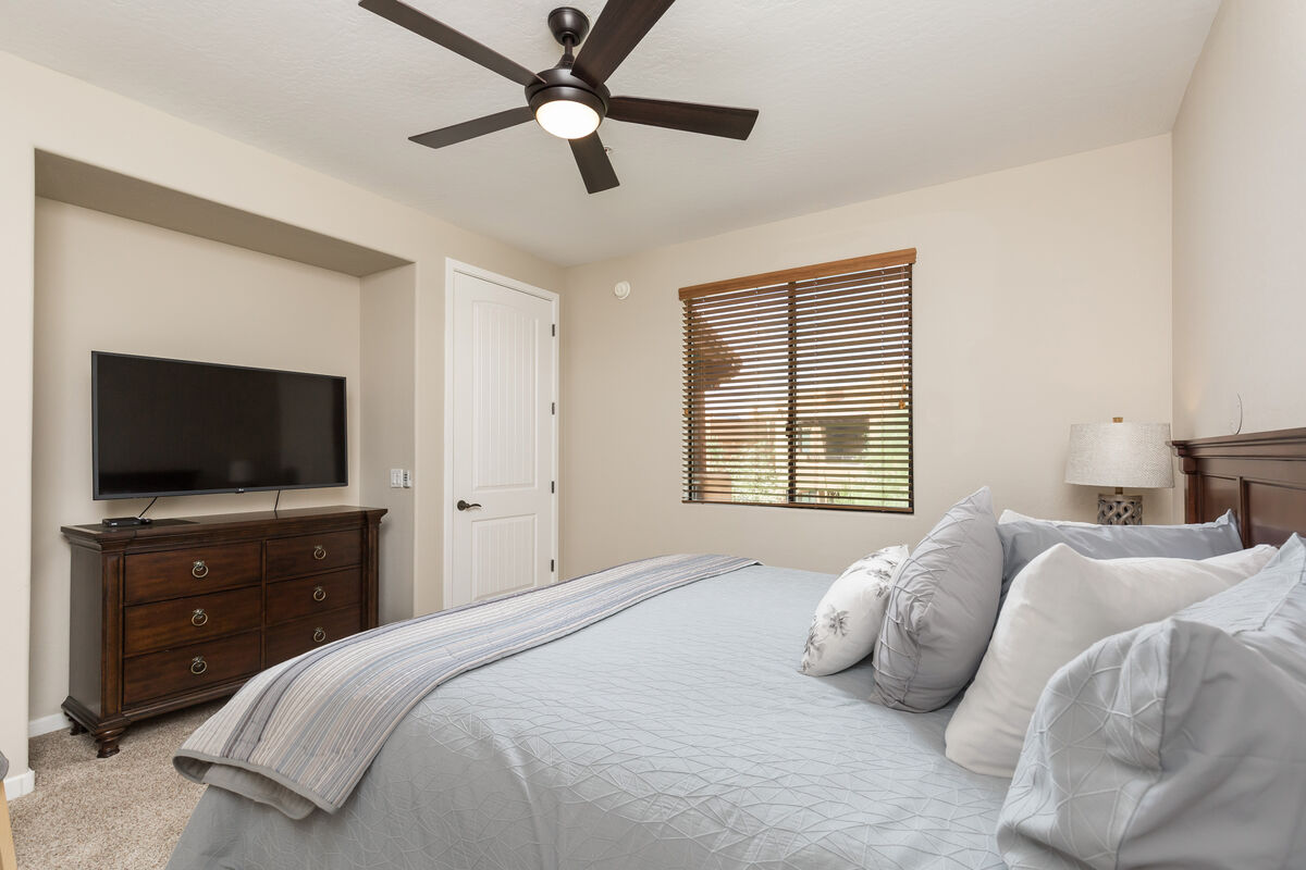 Master bedroom - Flat screen TV with cable included and dresser for storage