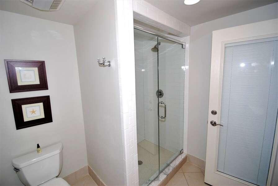 Fourth bedroom bath