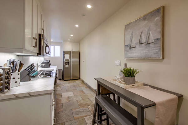Image of Kitchen and Breakfast Table.
