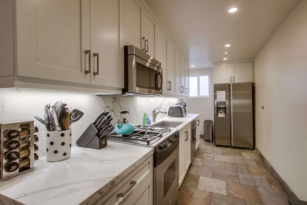 Newly Remodeled Kitchen in Vacation Condo in San Diego.