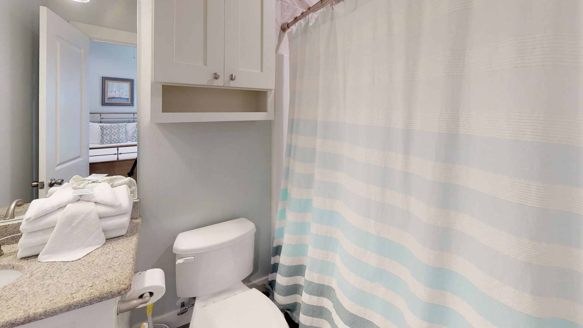Private bathroom for bedroom 3