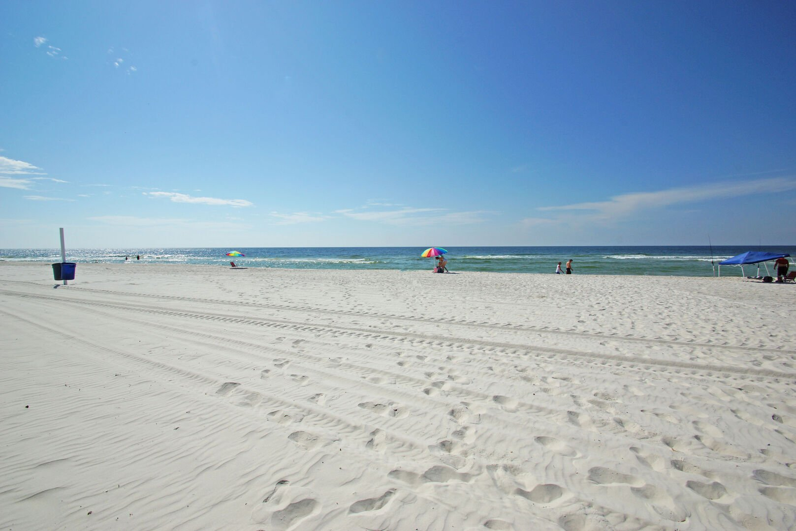 Gorgeous Gulf beach right across the street!