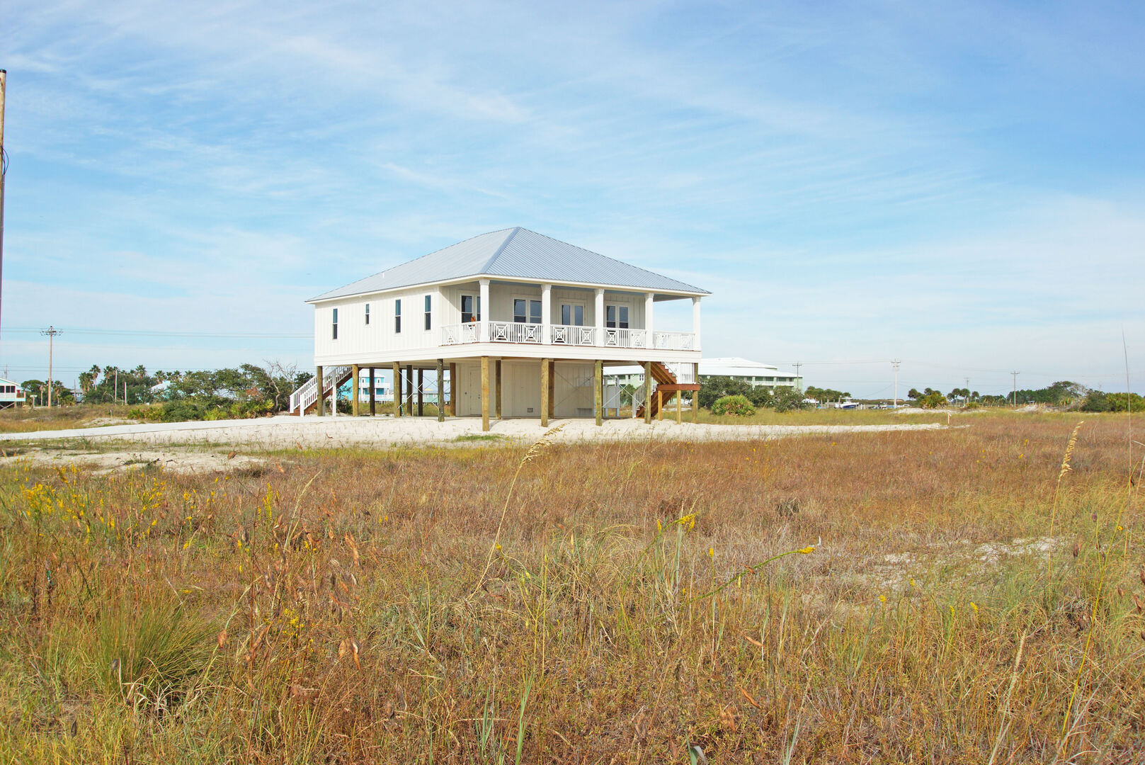 Wide shot of this Gulf Shores cottage rental