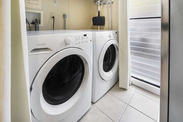 In-unit full sized washer/dryer