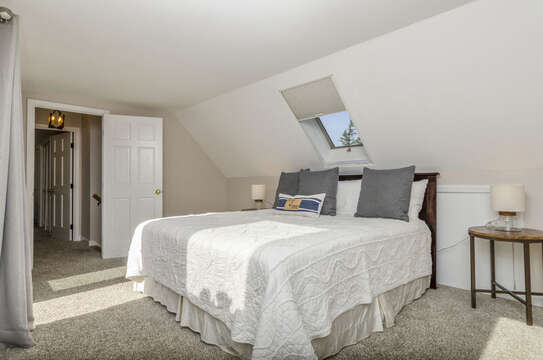 Bedroom 3 King bedroom 2 night stands 50 Blue Heron Eastham Cape Cod - New England Vacation Rentals