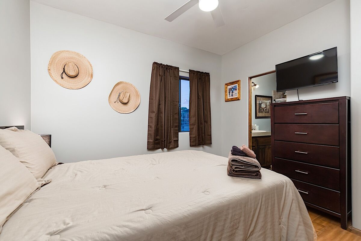 Guest bedroom - Dresser and flat screen TV with streaming options available