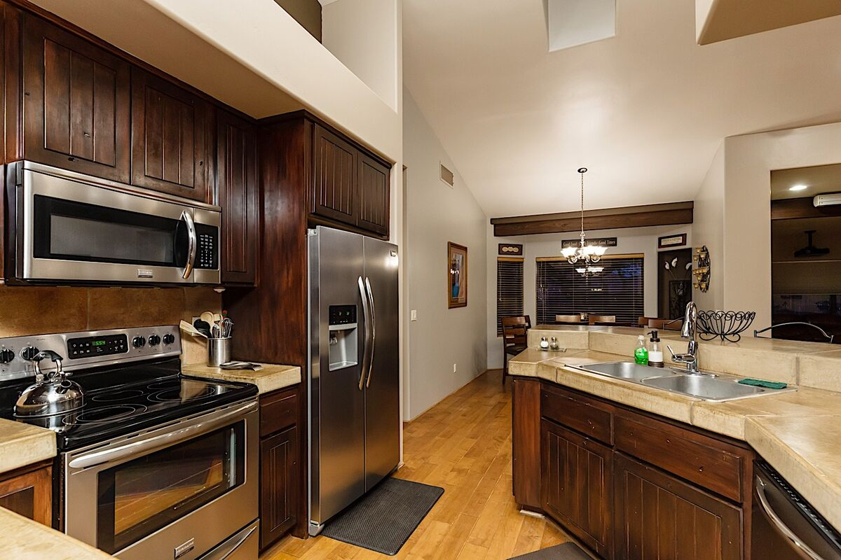 Fully equipped kitchen with EVERYTHING you need for a meal of any size!