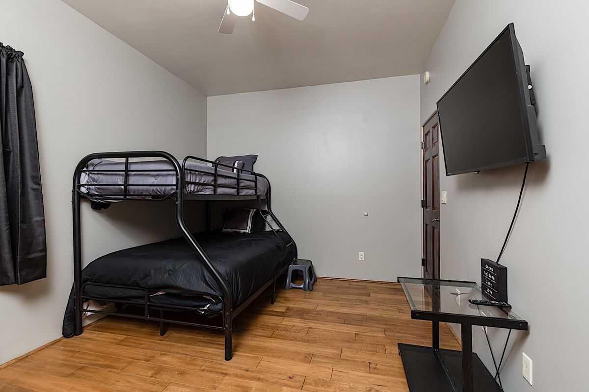 Guest bedroom 2 - Bunks with flat screen TV with streaming options available