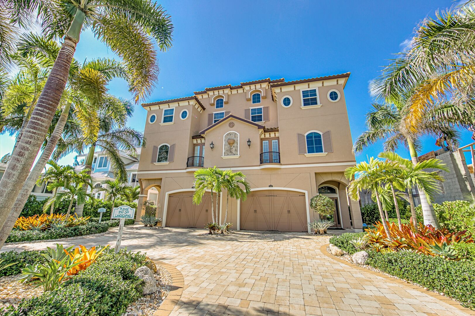 Front Picture of Our Vacation Home in Fort Myers.